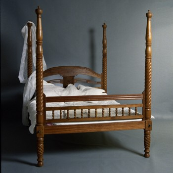 Colonial Style Four Poster Bed Bed Frames Beds